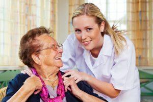 دستمزد پرستار سالمند