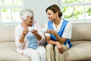 پرستار سالمند سالم