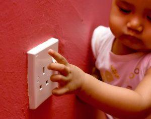 پریز برق و خانه امن برای کودکان