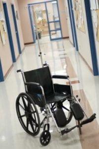 تنظیم در ها و مراقبت از سالمند ویلچری