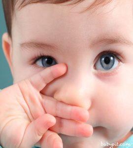 گرفتگی بینی نوزاد و قطره بینی نوزاد