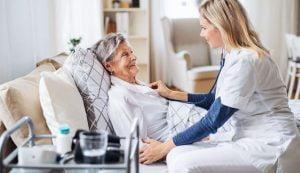 استخدام پرستار سالمند خوب