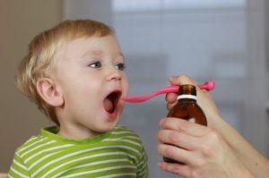 وظایف پرستار کودک و دارو دادن