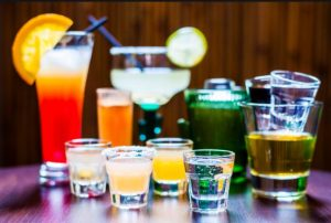 نوشیدنی الکلی و غذاهای  پیرکننده