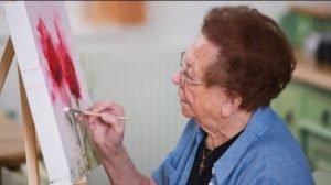 فواید هنردرمانی در سالمند