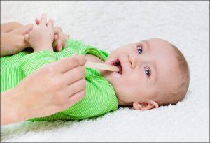 بهبود گلو درد نوزادان