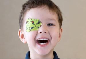 آستیگماتیسم و تنبلی چشم