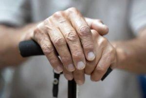 شناخت چالش های سالمندان