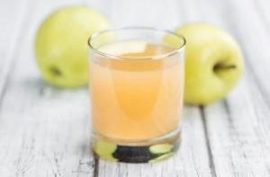 یبوست نوزاد و آب سیب