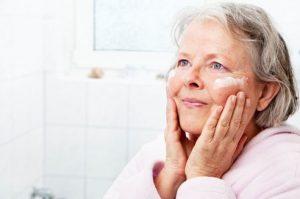 درمان خشکی پوست سالمند