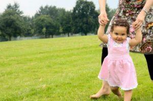 شروع راه رفتن کودک