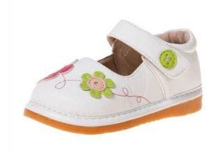 راه رفتن کودک با کفش