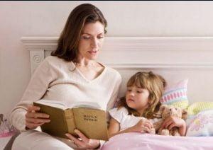 خواباندن کودک با کتاب