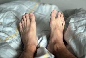 ماساژ سندرم پاهای بی قرار
